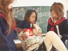 【レズ動画】誰もいない教室でヤンキーの不良娘とその女友達にムチムチおっぱいを縛られ母乳を吸われながらレズ調教されちゃう女教師ママ erovideo女性のための無料アダルト動画