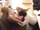 男癖の悪いギャルママが家族の居ぬ間に不倫相手を自宅に連れ込んでリビングのソファーで濃厚浮気セックスに没頭しちゃう JavyNow 女の子のための無料H動画
