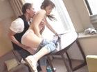 黒田悠斗/佐々木あき 色黒マッチョなワイルド系エロメンに軟派された都会的な美熟女奥さまが連れ込まれたラブホで昼間から淫れ狂っちゃうイケナイ不倫SEX ShareVideos 女の子のための無料H動画